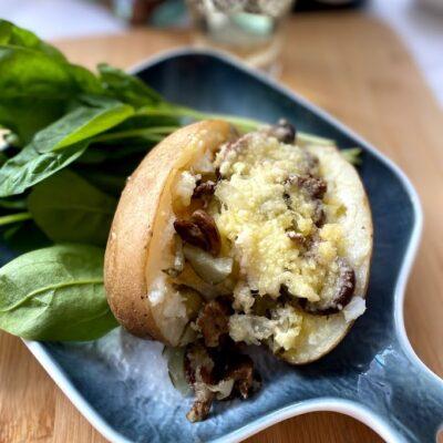 Картофель с начинкой в духовке - рецепт с фото