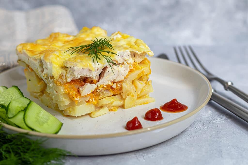 Фото рецепта - Картофельная запеканка с курицей в духовке - шаг 8