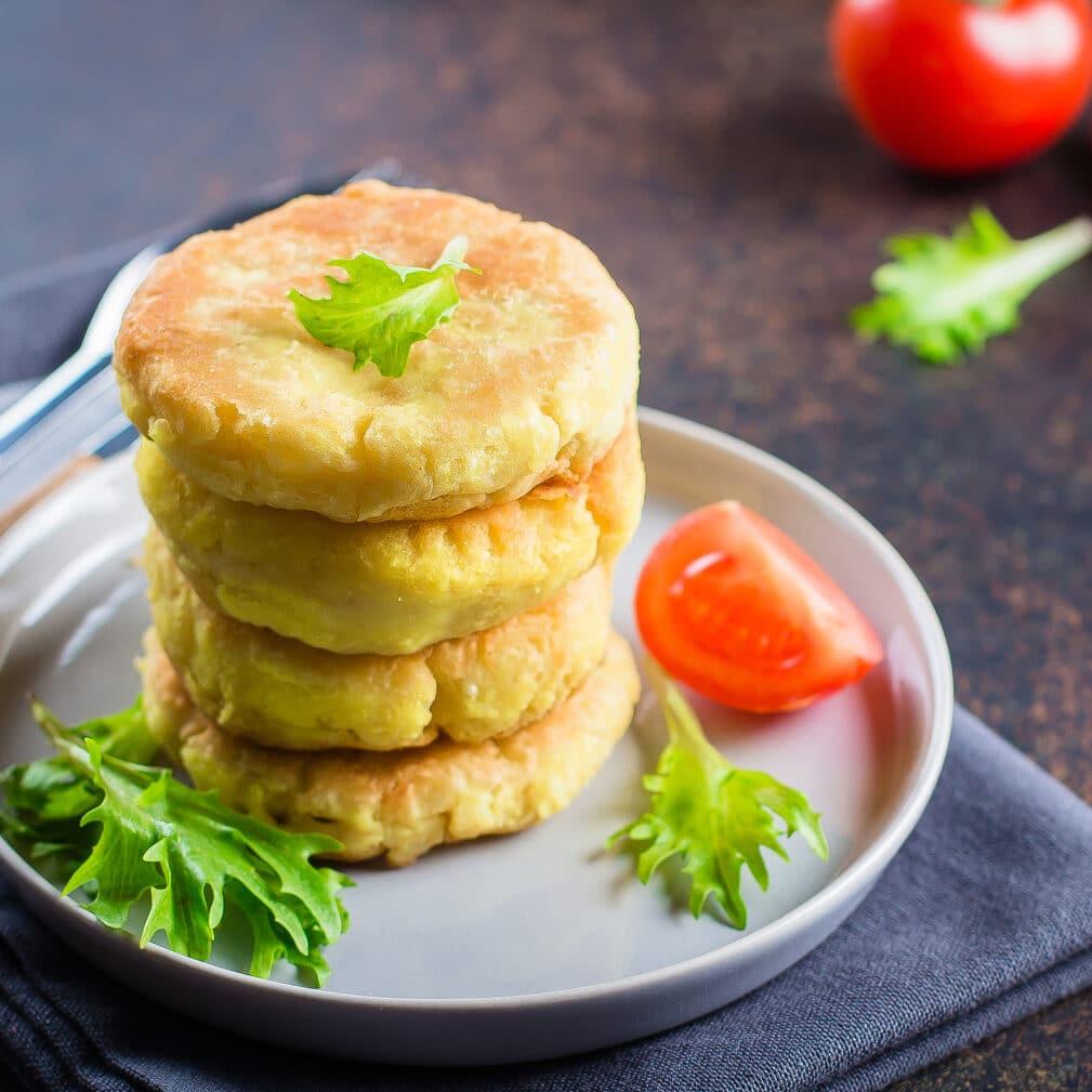 Фото рецепта - Картофельные котлеты с сыром - шаг 5