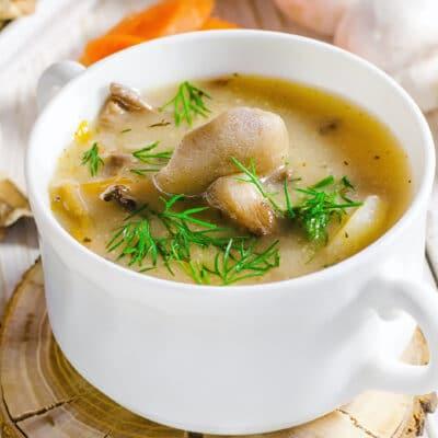 Картофельный суп с лесными грибами