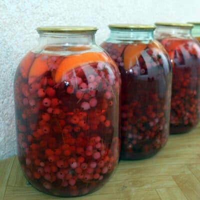 Компот из красной смородины с апельсином - рецепт с фото