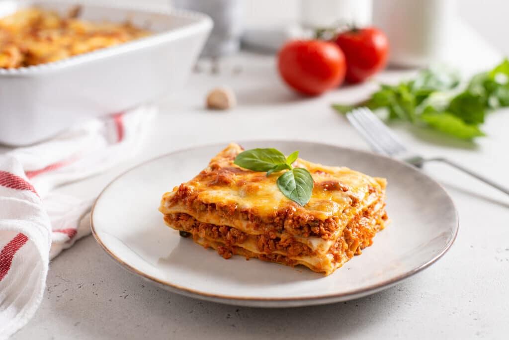 Фото рецепта - Лазанья по-итальянски - шаг 8