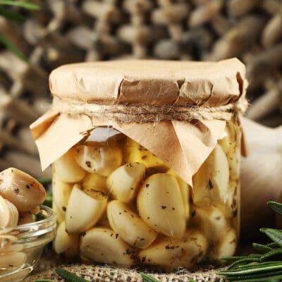 Маринованный чеснок - рецепт с фото