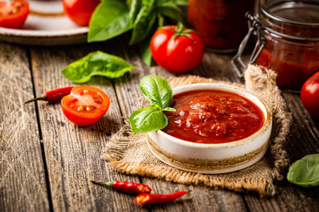 Фото рецепта - Острый томатный соус - шаг 5