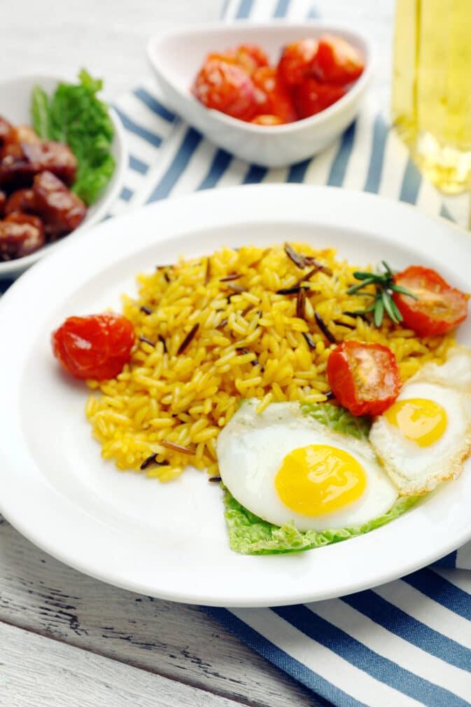 Фото рецепта - Рис с пряностями и томатами - шаг 5