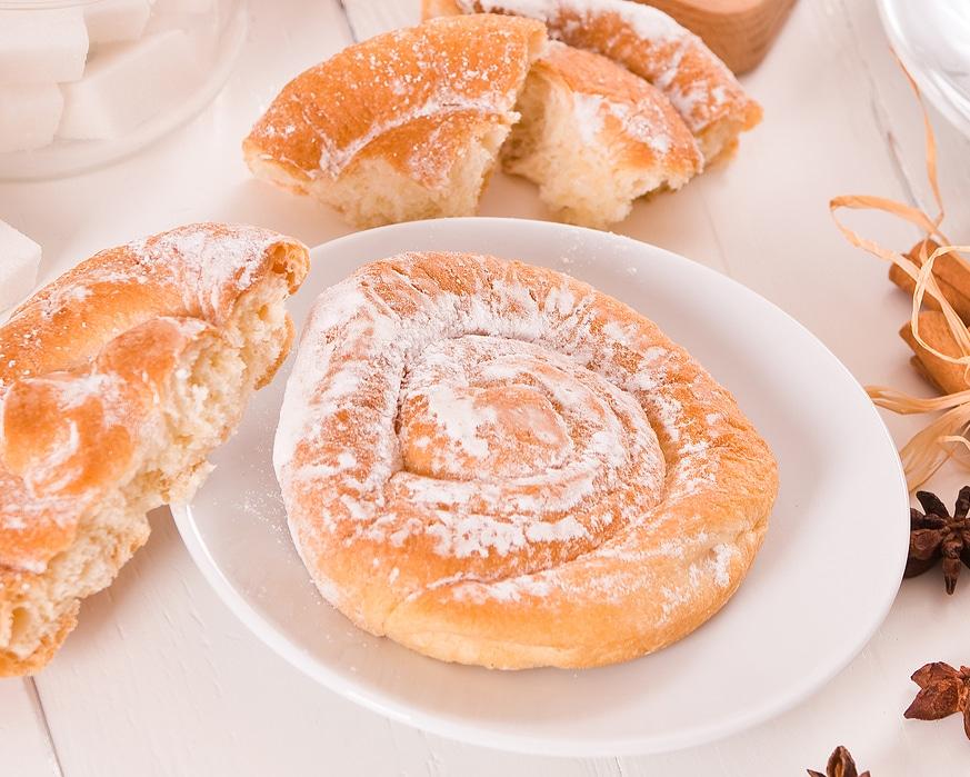 Фото рецепта - Сладкие сдобные булочки - шаг 5