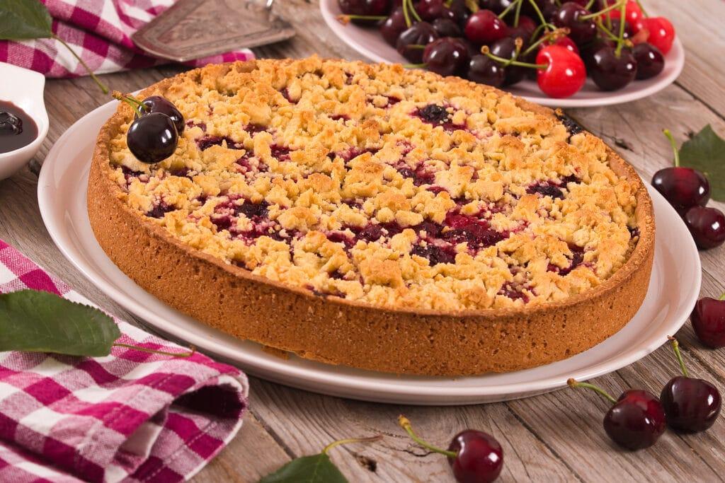 Фото рецепта - Вишневый пирог-крошка - шаг 8