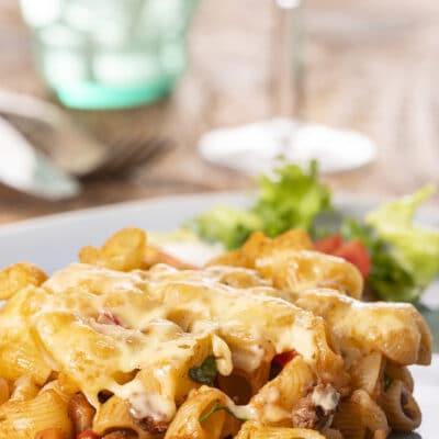 Запеченные макароны с фаршем и сыром