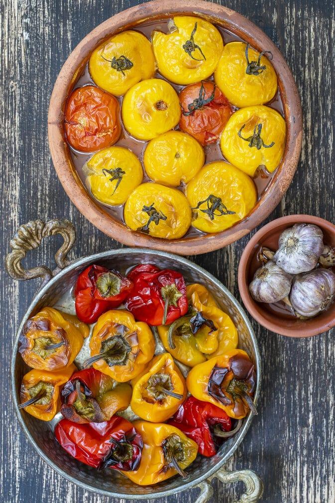 Фото рецепта - Запеченные в духовке помидоры с болгарским перцем - шаг 4