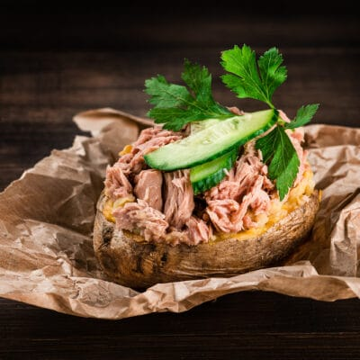 Запечённый картофель Крошка-картошка с тунцом