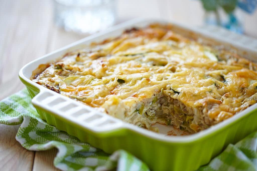 Фото рецепта - Запеканка с капустой и кабачками - шаг 7