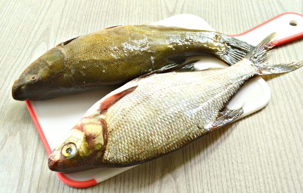 Фото рецепта - Рыба в томатно-сметанном соусе на сковороде - шаг 1