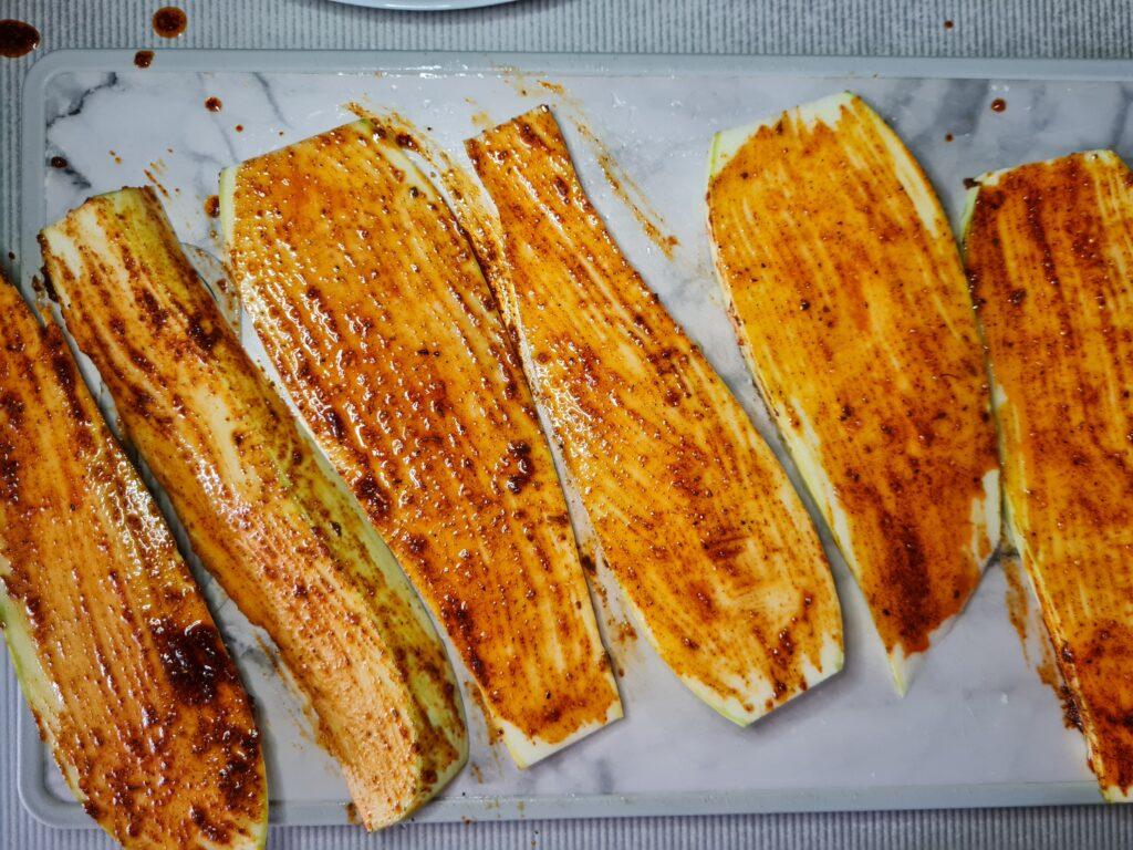 Фото рецепта - Кабачковые роллы с сырной начинкой - шаг 3