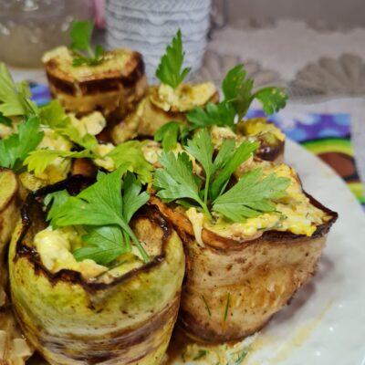 Кабачковые роллы с сырной начинкой - рецепт с фото