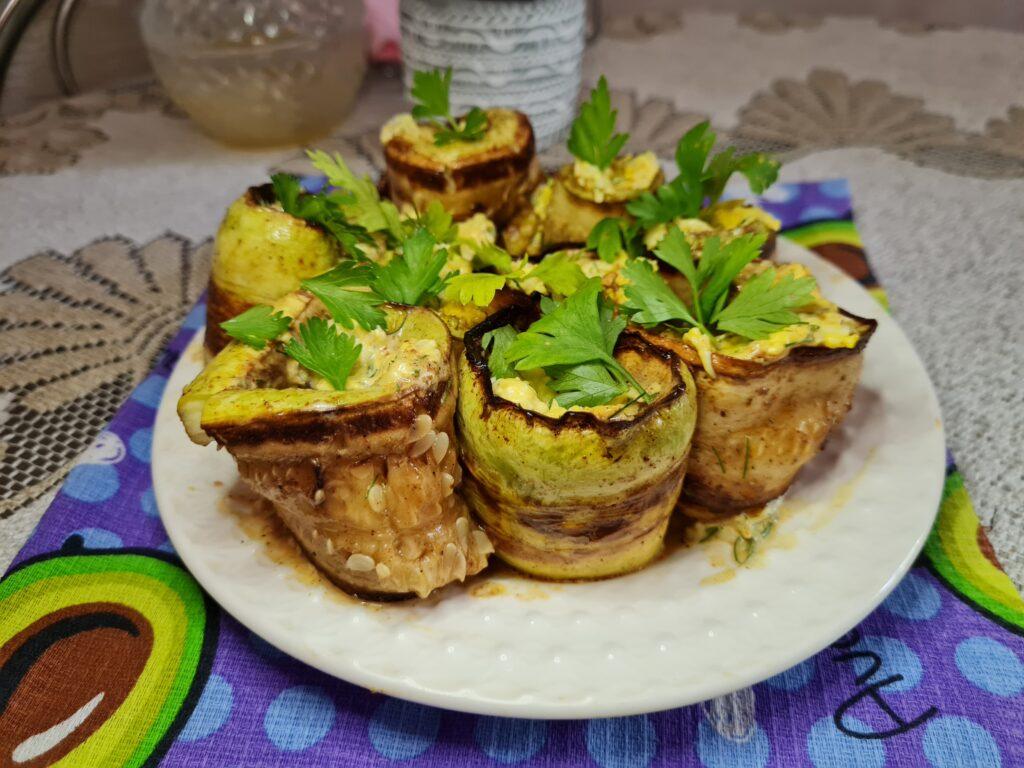 Фото рецепта - Кабачковые роллы с сырной начинкой - шаг 7