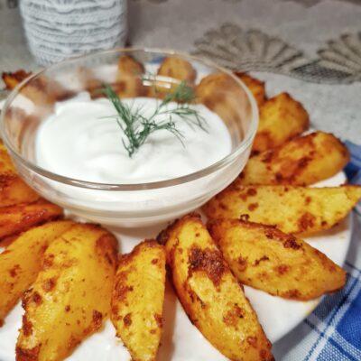 Картофель по-деревенски в духовке - рецепт с фото