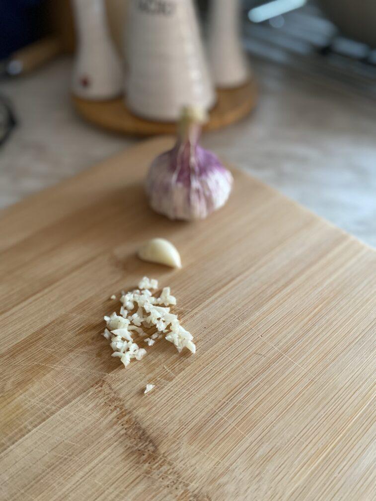 Фото рецепта - Салат витаминный из овощей - шаг 6