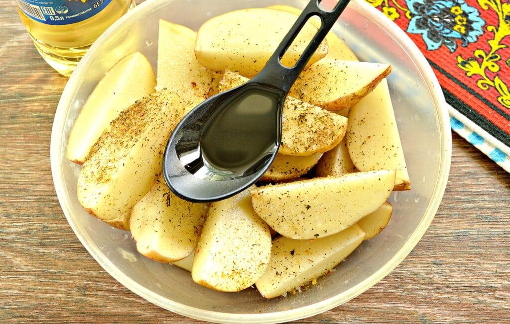 Фото рецепта - Картофель по-деревенски в сковороде гриль-газ - шаг 3