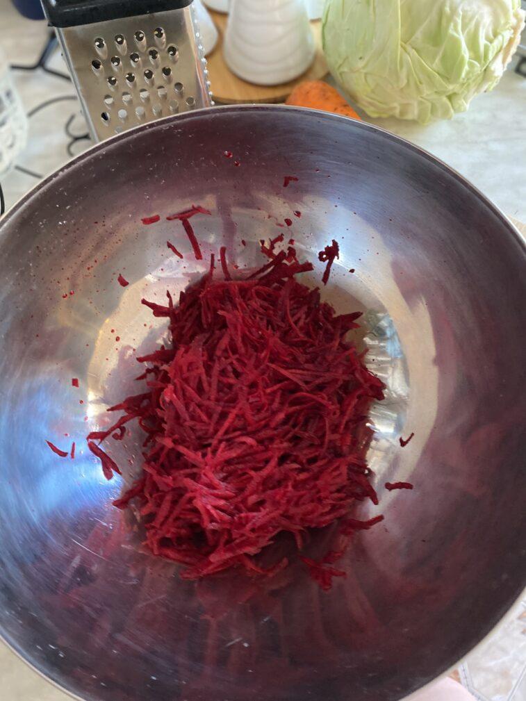 Фото рецепта - Салат витаминный из овощей - шаг 2