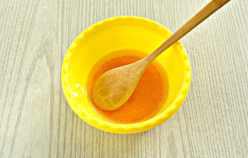 Фото рецепта - Пикантная закуска из помидоров с зеленью и морковью - шаг 5