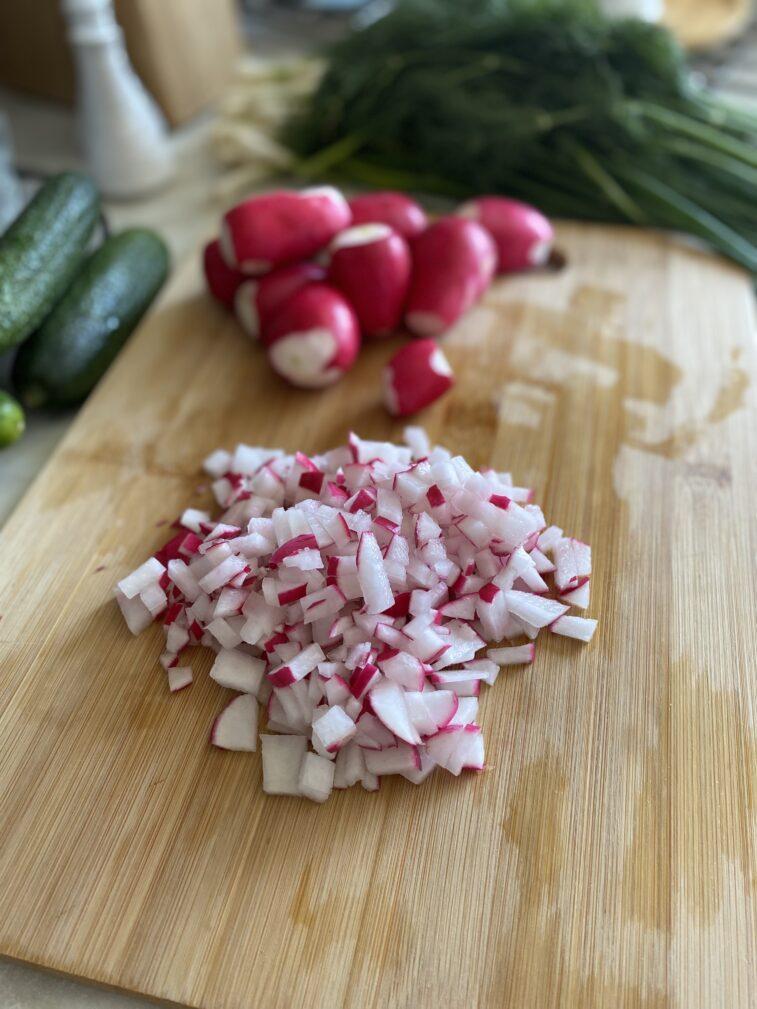 Фото рецепта - Постная окрошка на кефире - шаг 5