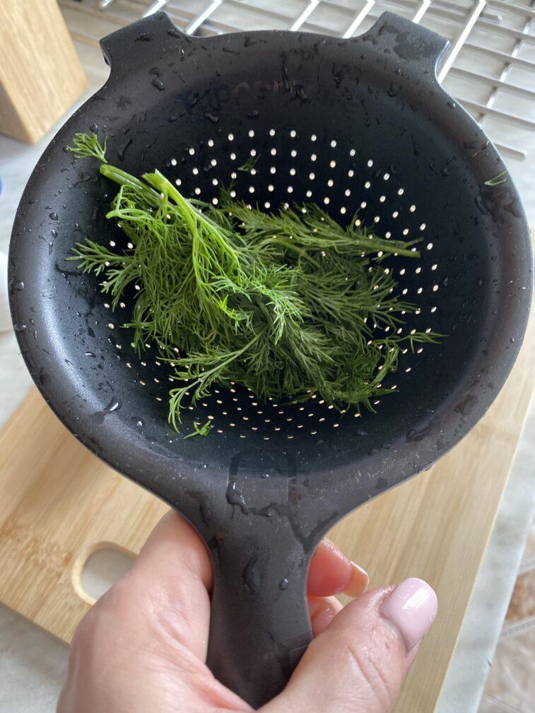 Фото рецепта - Огуречный гаспачо с авокадо - шаг 7
