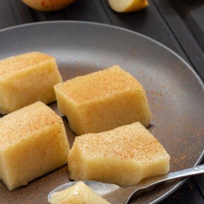 Ароматное желе из яблок, с лимоном и корицей - рецепт с фото