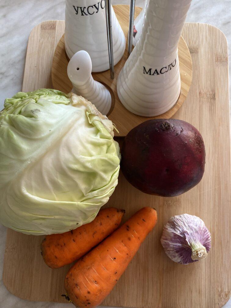 Фото рецепта - Салат витаминный из овощей - шаг 1