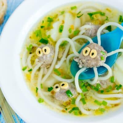 Детский картофельный суп с осьминожками