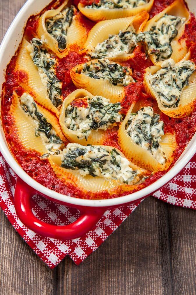 Фото рецепта - Фаршированные ракушки в томатном соусе - шаг 5