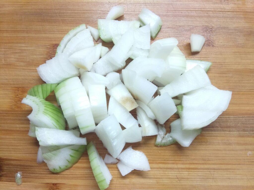 Фото рецепта - Гороховый крем-суп с цуккини - шаг 2