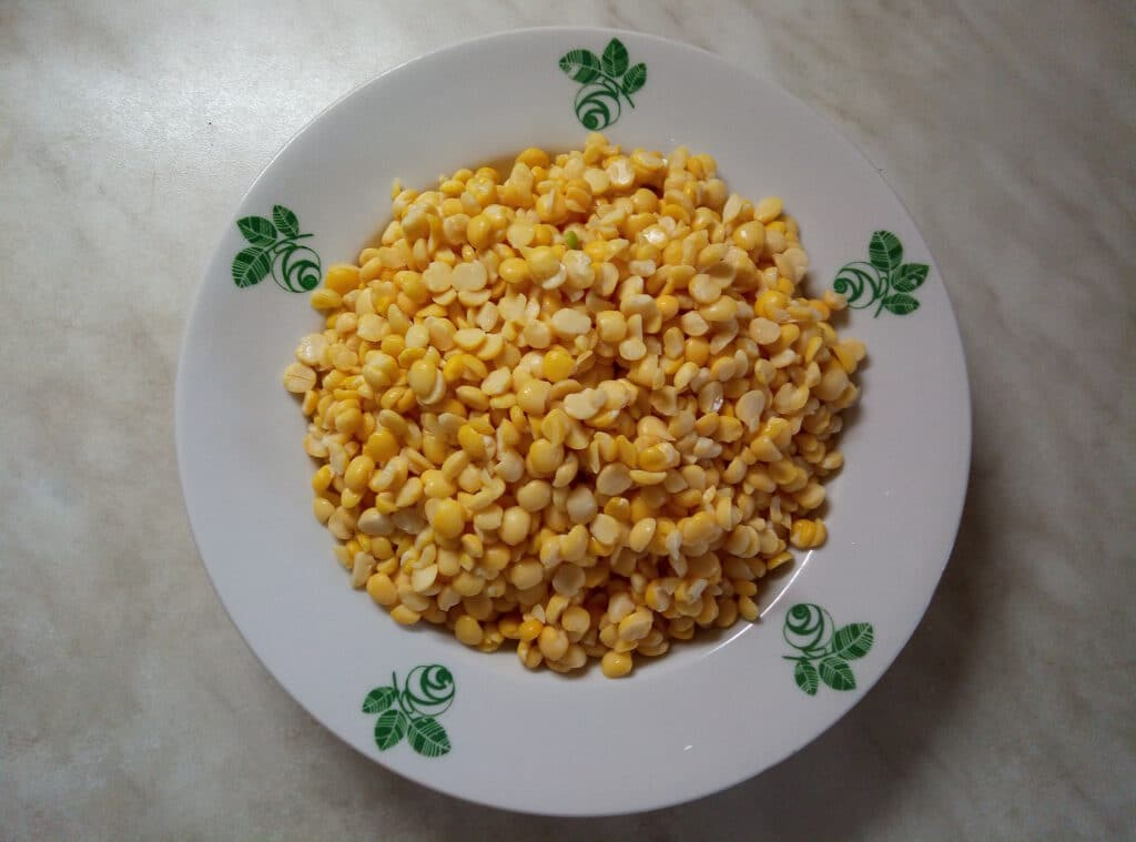 Фото рецепта - Гороховый крем-суп с цуккини - шаг 1