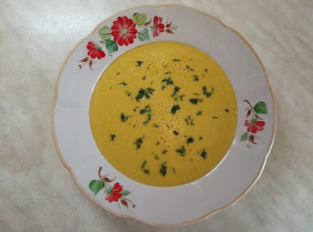 Фото рецепта - Гороховый крем-суп с цуккини - шаг 7