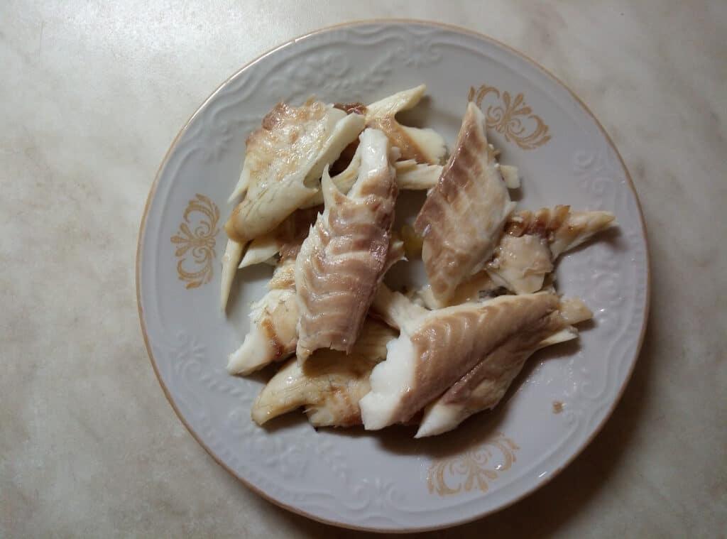 Фото рецепта - Салат со свежими овощами и запеченной дорадо - шаг 5