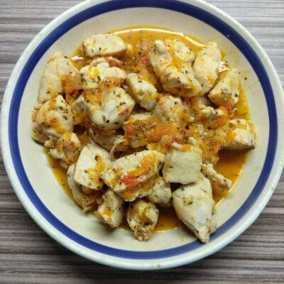 Курица, тушенная с овощами - рецепт с фото