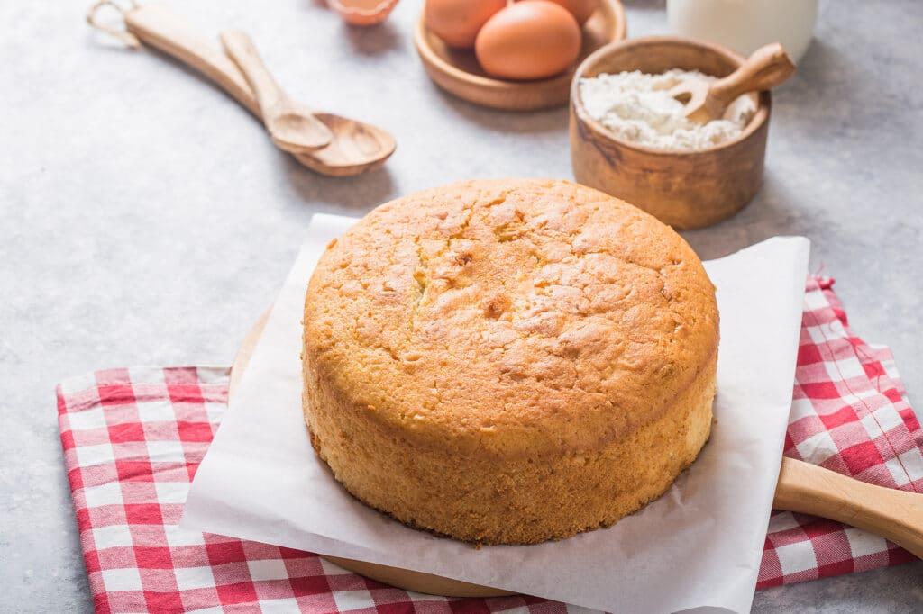 Фото рецепта - Как испечь вкусный воздушный бисквит - шаг 6