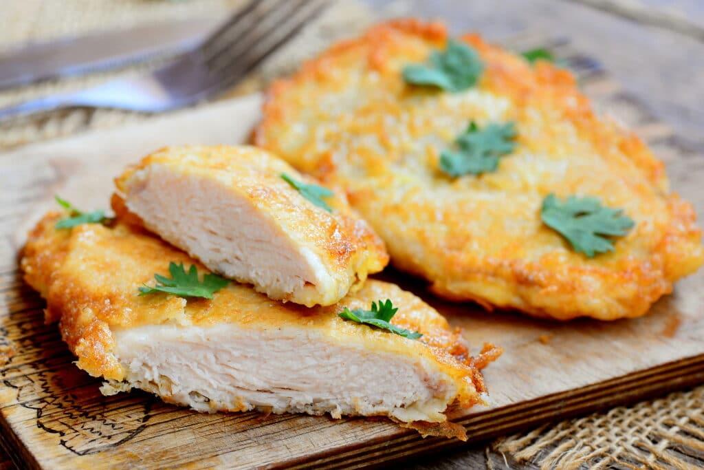 Фото рецепта - Куриная отбивная в панировке - шаг 10