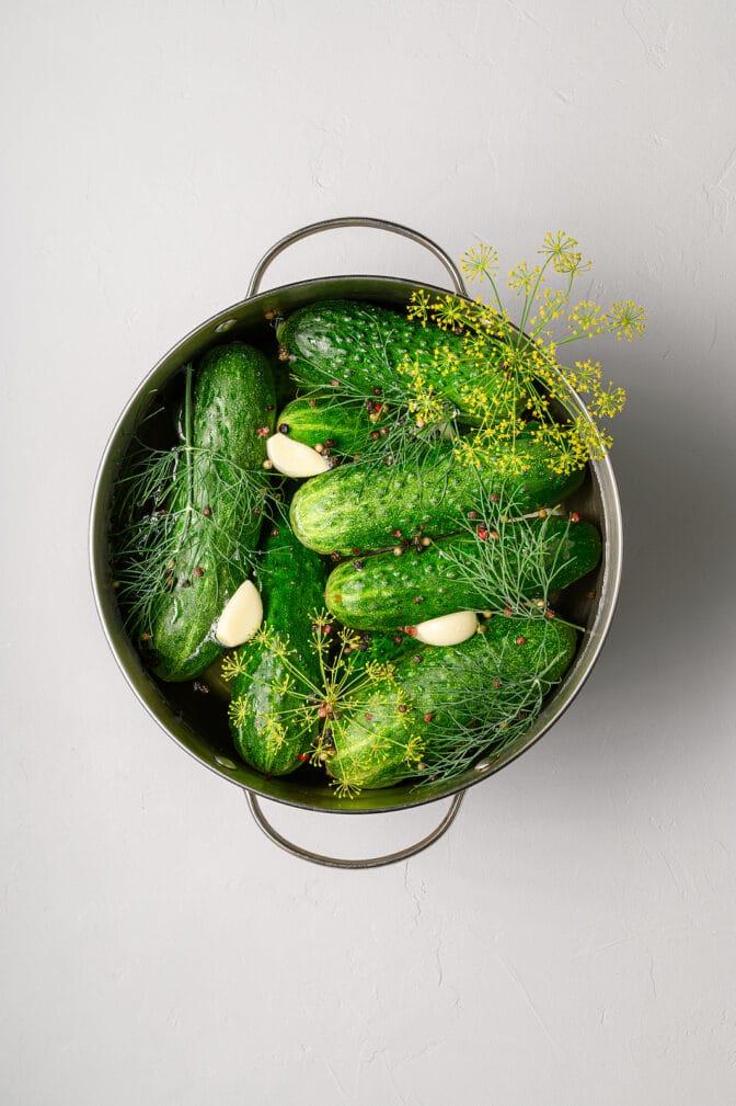 Фото рецепта - Малосольные огурцы с чесноком по бабушкиному рецепту - шаг 6