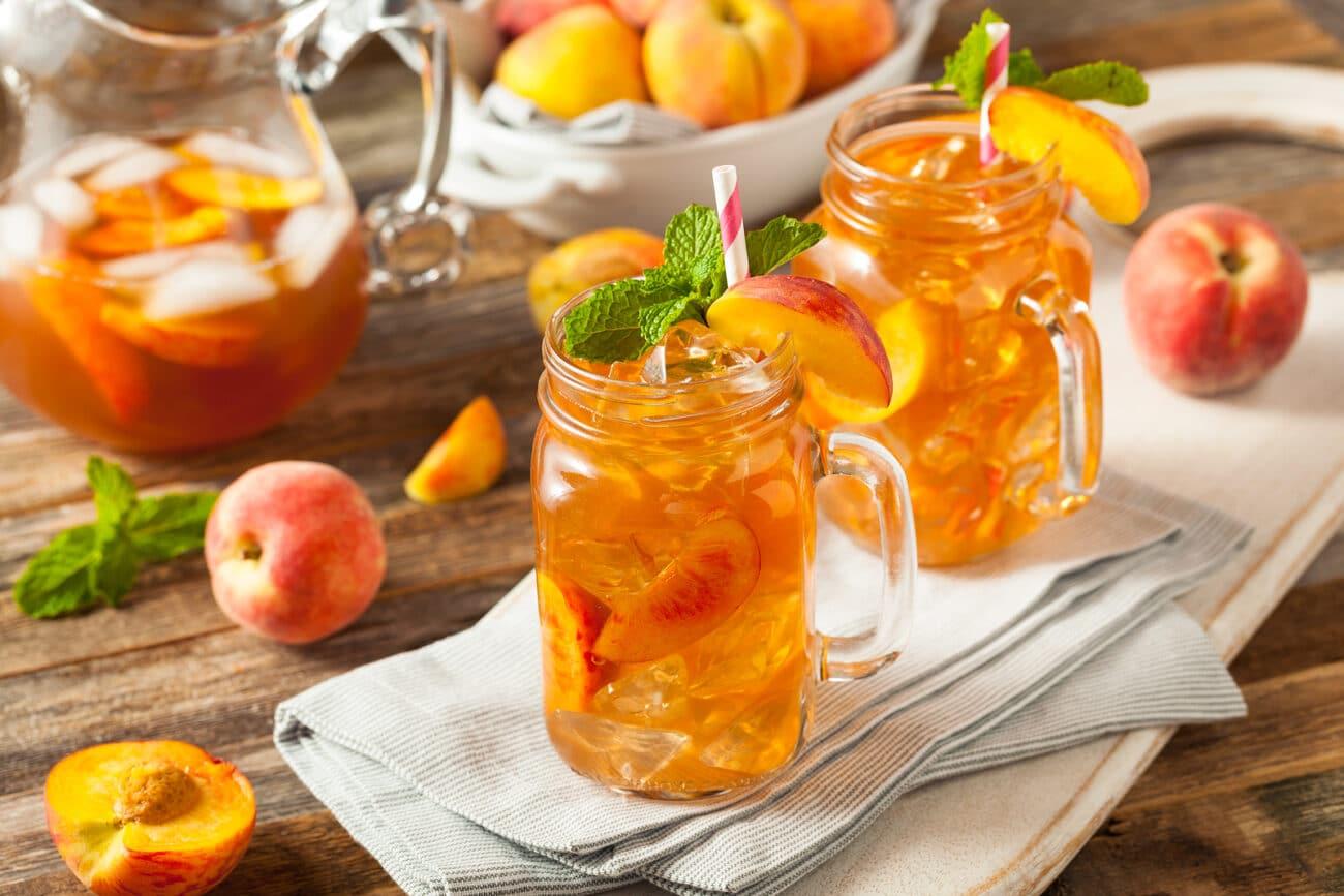 Напиток из персика со льдом