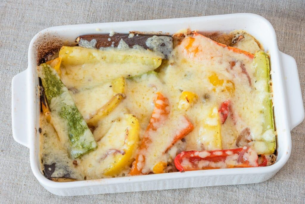 Фото рецепта - Овощи, запеченные с сыром - шаг 10