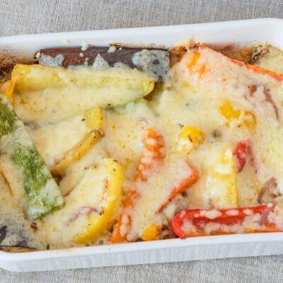 Овощи, запеченные с сыром