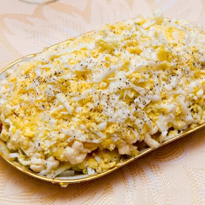 Слоеный салат Невеста с курицей