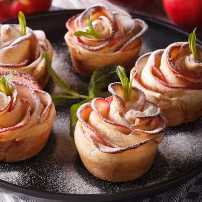 Слойки Яблочные розы