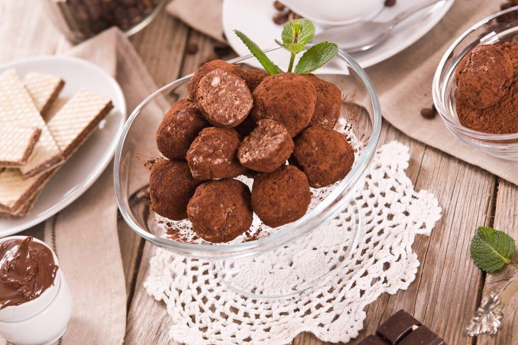 Фото рецепта - Трюфель (шоколадные домашние конфеты) - шаг 9