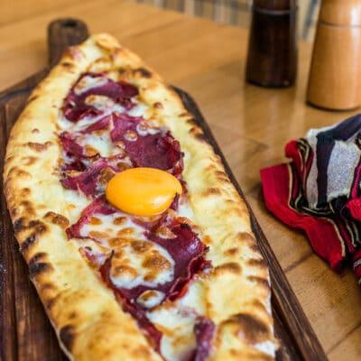 Турецкая пицца (Пиде) - рецепт с фото