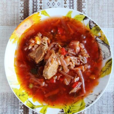 Украинский красный борщ с мясом