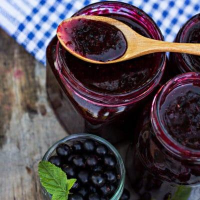 Варенье из черной смородины без варки (на зиму)