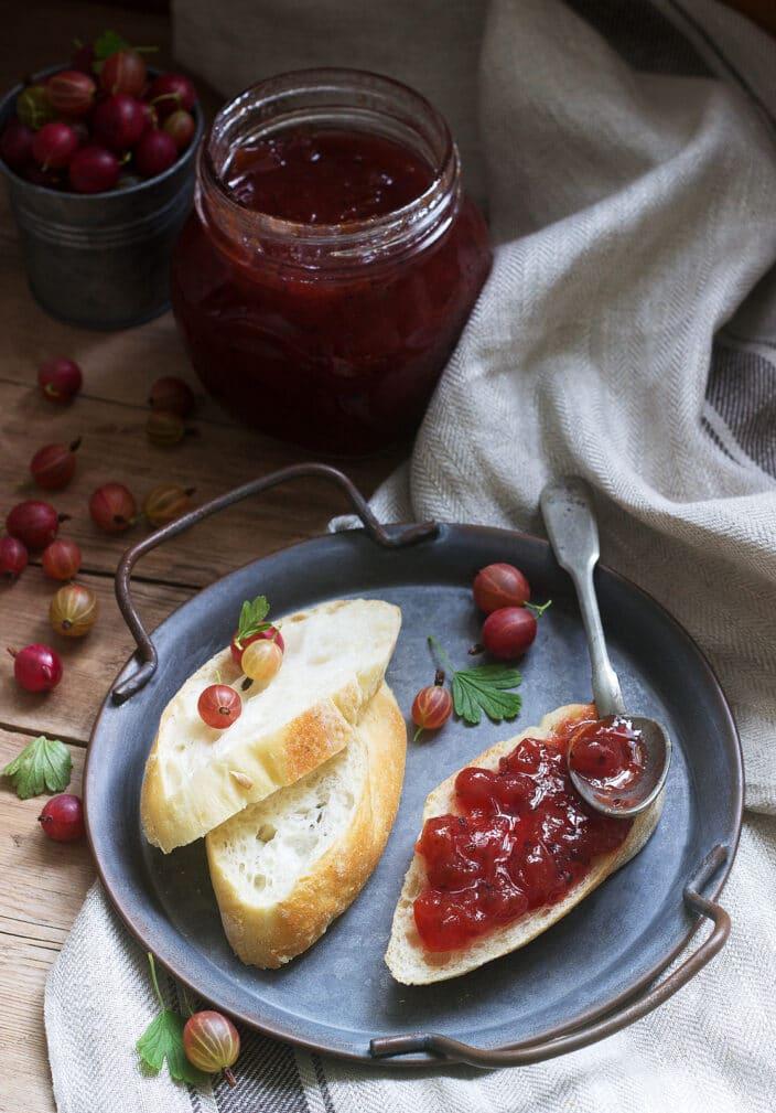 Фото рецепта - Варенье из красного крыжовника - шаг 6