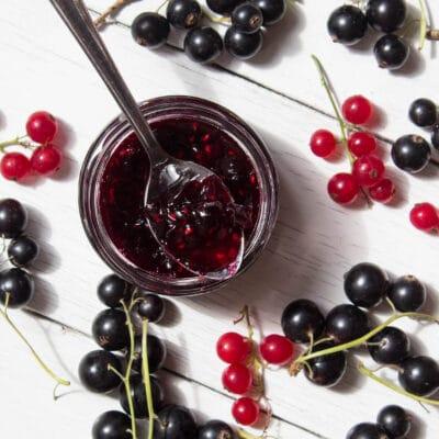 Варенье из красной и черной смородины - рецепт с фото