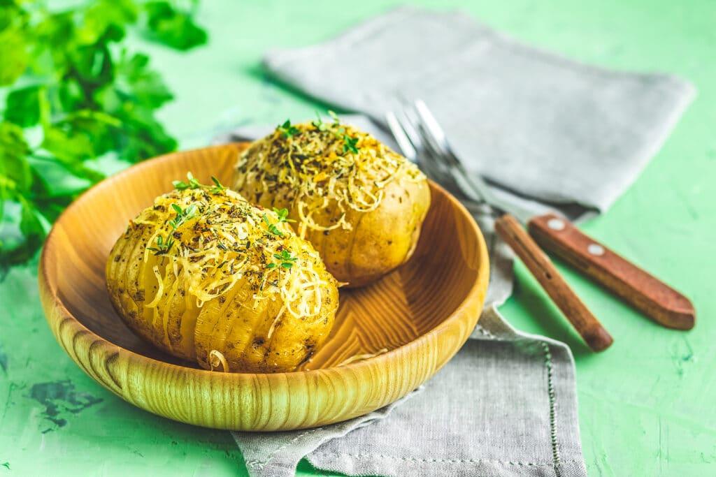 Фото рецепта - Запеченная картошка с сыром - шаг 7